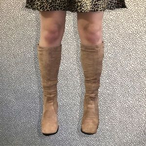 Stretch Suede Camel Pull-on Franco Sarto Boots 7